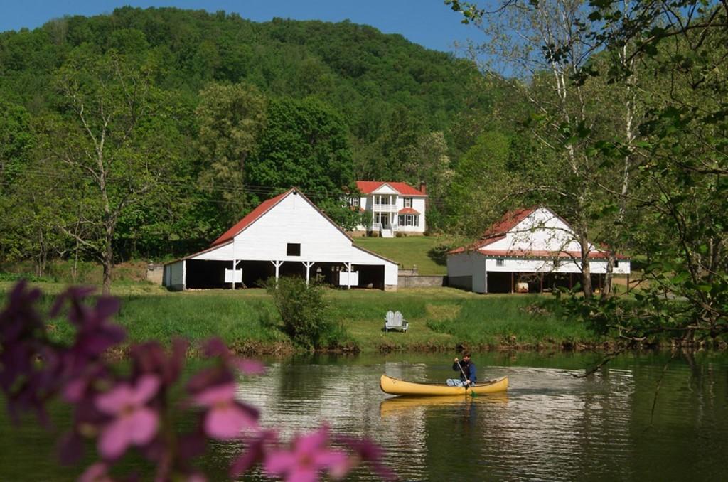 Riverside-Manor